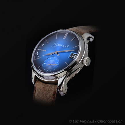 H Moser & Cie - H. MOSER & CIE. ENDEAVOUR CALENDRIER PERPETUEL FUNKY BLUE