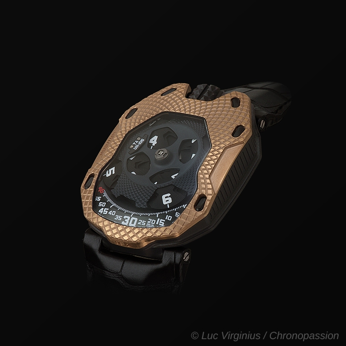 "urwerk - La UR-105 ""Raging Gold"""